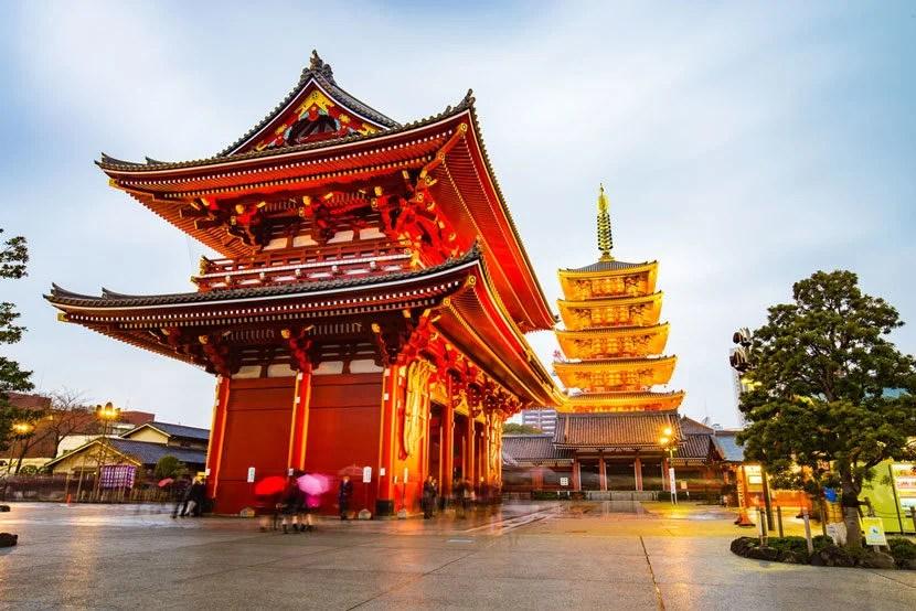 "Wouldn't you rather visit Tokyo's Narita-san Shinshō-ji Temple instead of waiting around Narita Airport? Image courtesy of <a href=""http://www.shutterstock.com/pic-309509267/stock-photo-senso-ji-temple-in-tokyo-japan.html?src=_OkvtiJFcOfU0zsle94bag-1-1"" target=""_blank"">Shutterstock</a>."