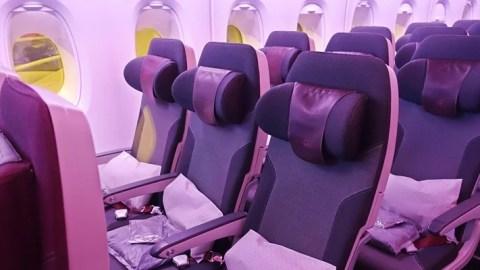 review qatar airways   economy  bangkok doha