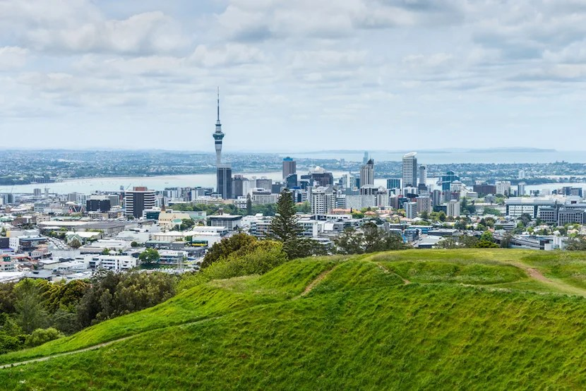 If you want to see New Zealand, I don't recommend trying to use Airpoints to get there. Image courtesfy of Shutterstock.