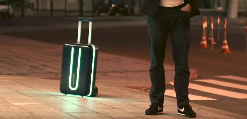 This Motorized Suitcase Will Follow You Around The Airport