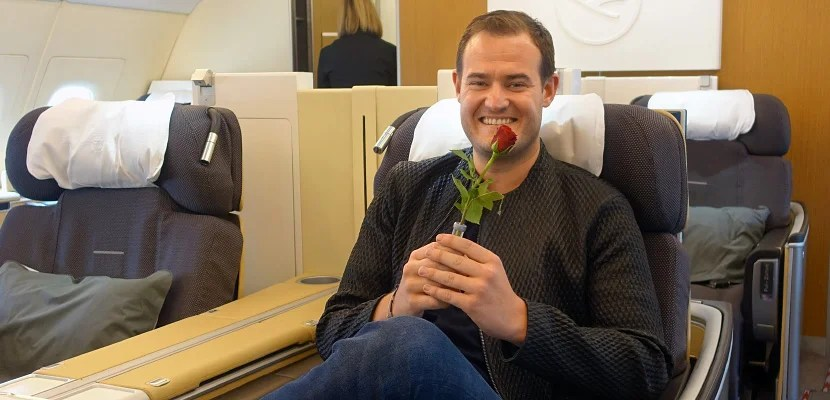Roses and rubber duckies aren't found in many airlines' first class cabins.