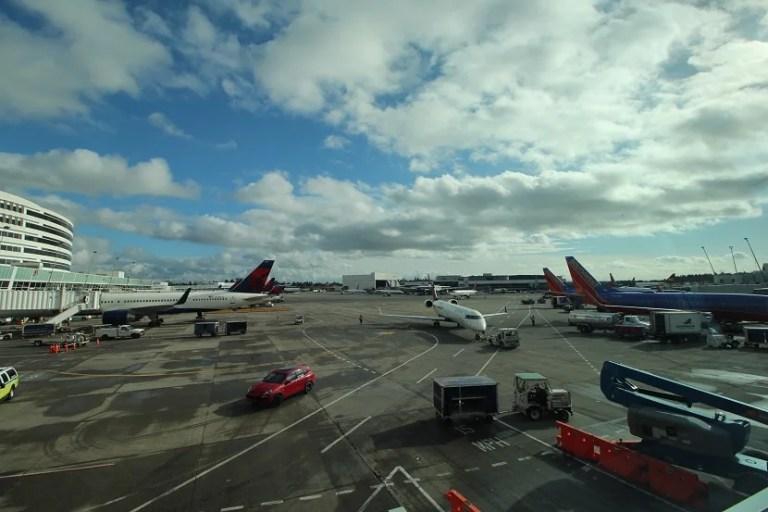 delta-sky-club-seattle-view
