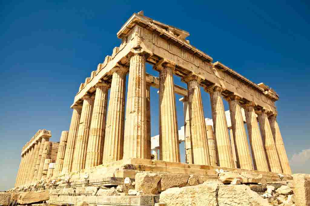 Parthenon on Akrolopis in Athens, Greece[url=http://francais.istockphoto.com/search/lightbox/11205810&refnum=rachwal81][img]http://img69.imageshack.us/img69/5862/greecew.jpg[/img][/url] [url=http://francais.istockphoto.com/search/lightbox/11392123&refnum=rachwal81][img]http://img97.imageshack.us/img97/3323/antiquek.jpg[/img][/url]