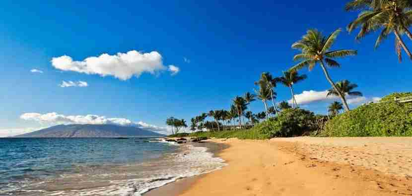 Head to Hawaii for just 25,000 miles round-trip! Image courtesy of Getty Images.