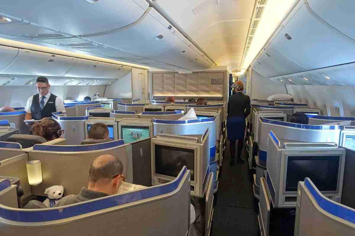 United 777-300ER 77W Inaugural