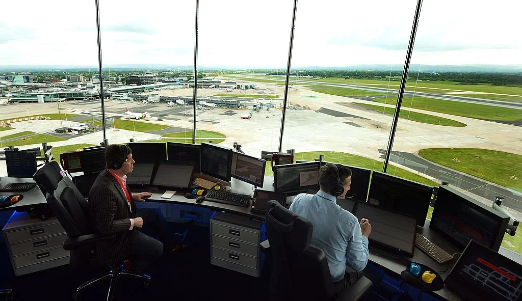 How to Listen to Air Traffic Control, Even on Your Phone
