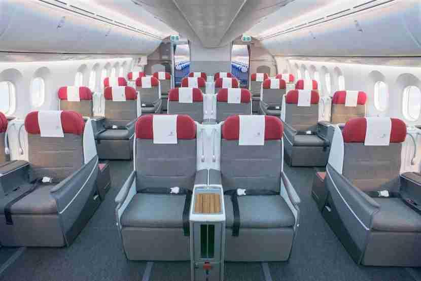 Business class aboard a LATAM 787. Image courtesy of LATAM.
