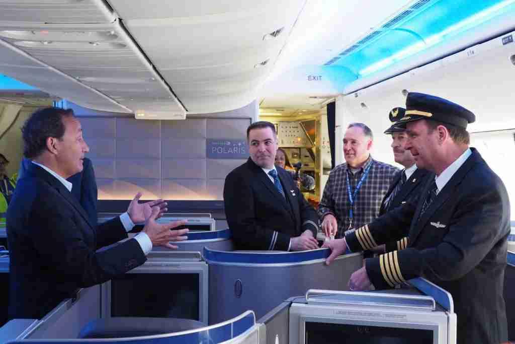 United 777-300ER CEO Oscar Munoz