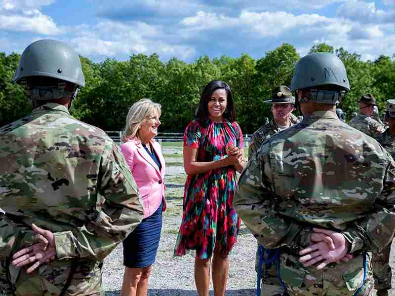 Michelle Obama and Dr. JillBidenwith military personnel at Fort Leonard Wood, Missouri, May 3, 2016. Official White House Photo by AmandaLucidon.