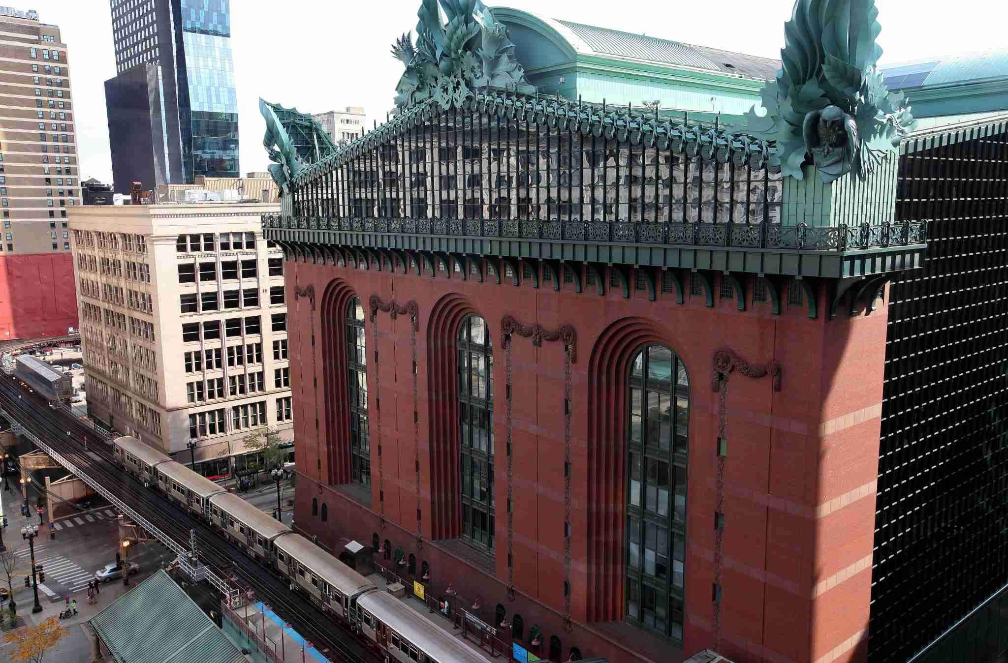 Literature and views meet at Harold Washington Library. Image courtesy of Raymond Boyd/Getty Images.