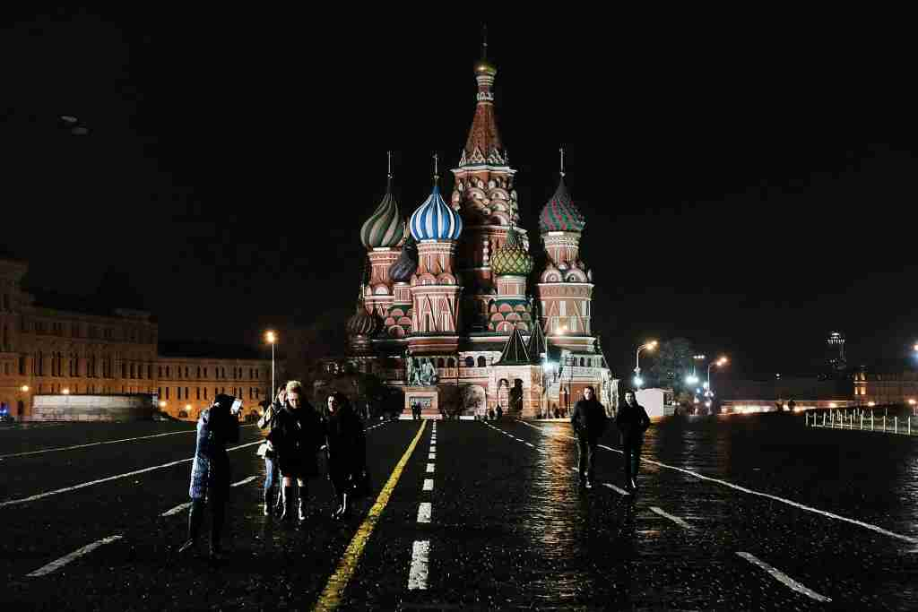 MOSCOW, RUSSIA - MARCH 08: People walk through Red Square in Moscow on March 7, 2017 in Moscow, Russia. Relations between the United States and Russia are at their lowest point in years as evidence mounts about the complex relationship between President Donald Trump
