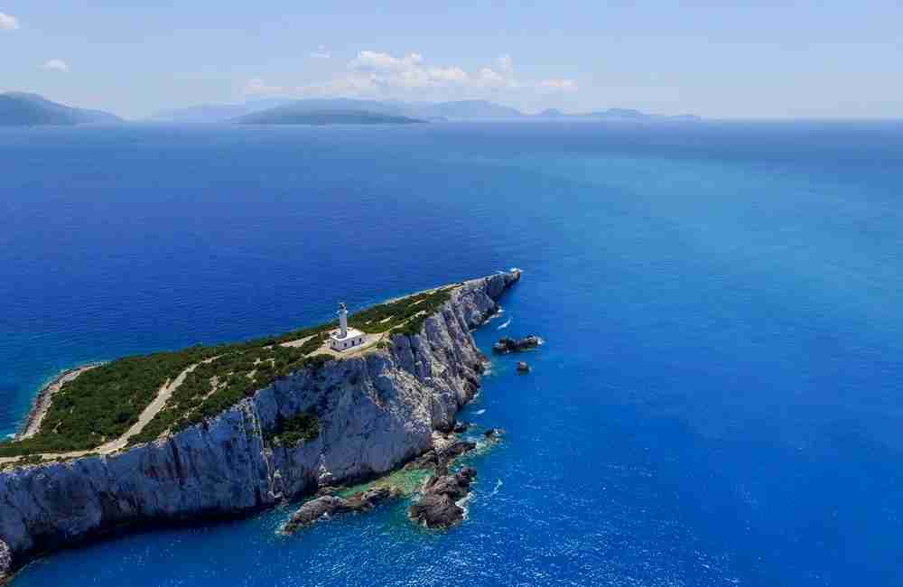 There are many islands to explore in Greece, so choose wisely! Image courtesy of Athanasios Gioumpasis via Getty Images.
