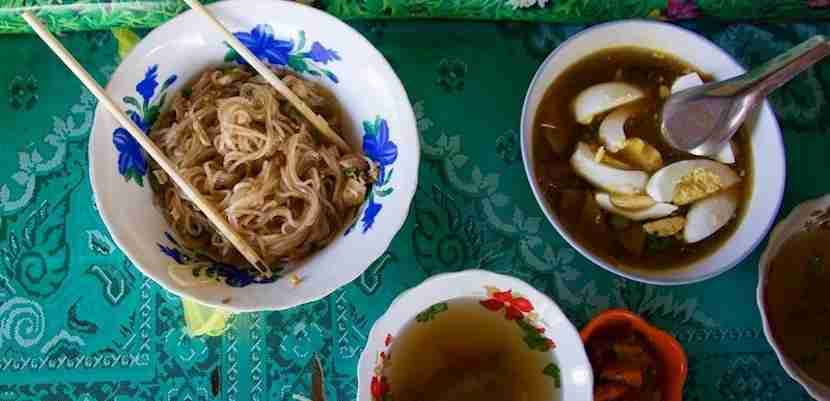 Tea shops can be great places to sample staple Burmese cuisine. Image courtesy of the author.