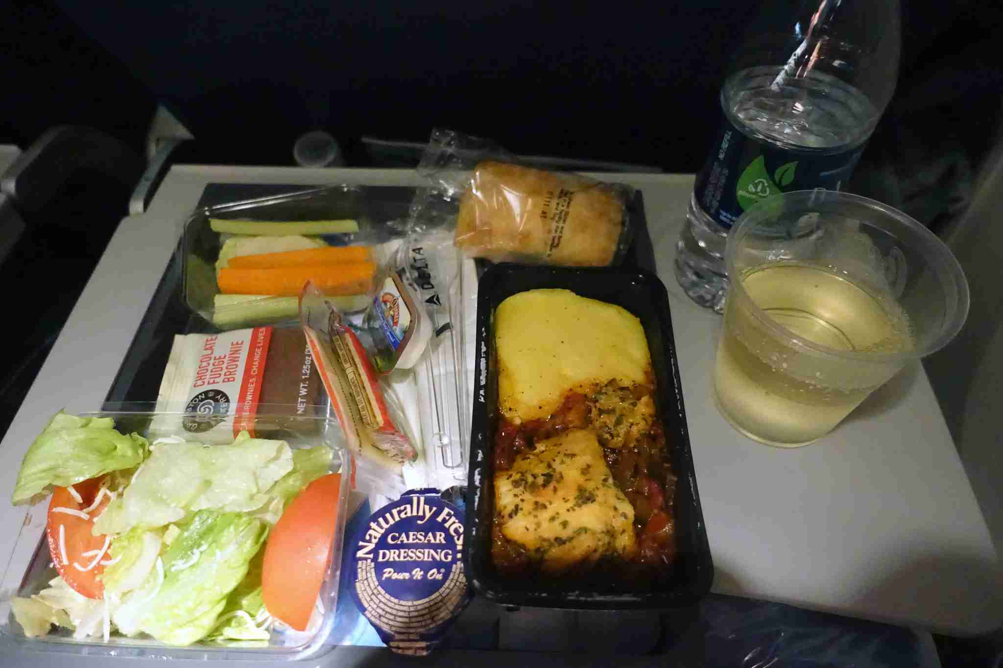 delta 777-200 economy review jfk-bcn