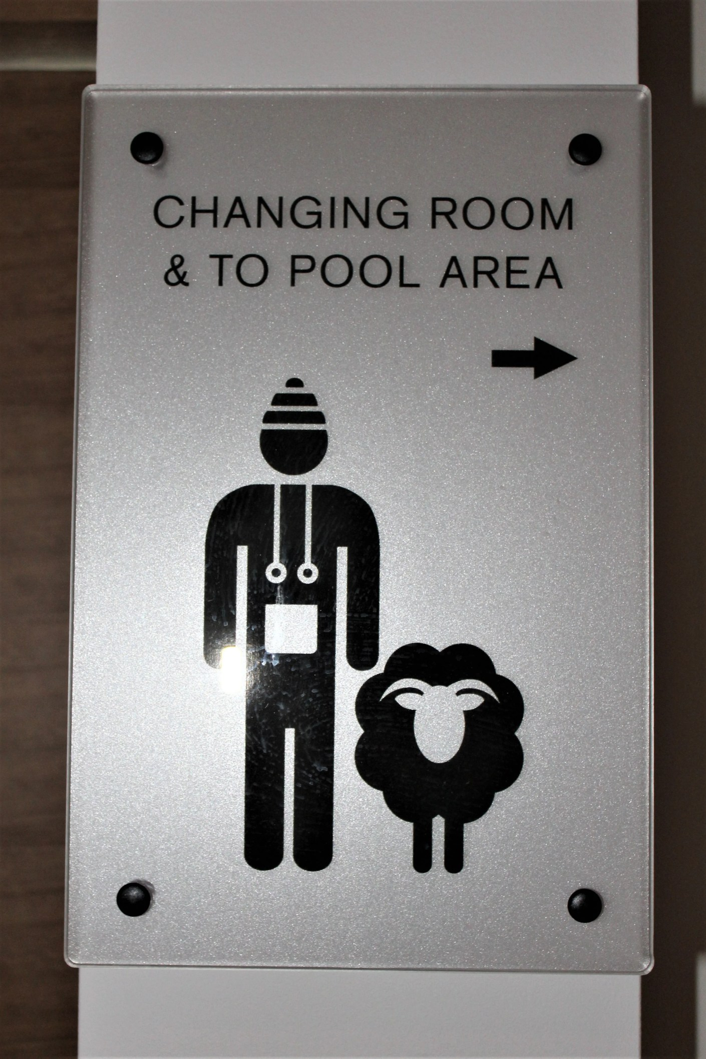 Lava has large changing rooms that can be used prior to entering the pool area.