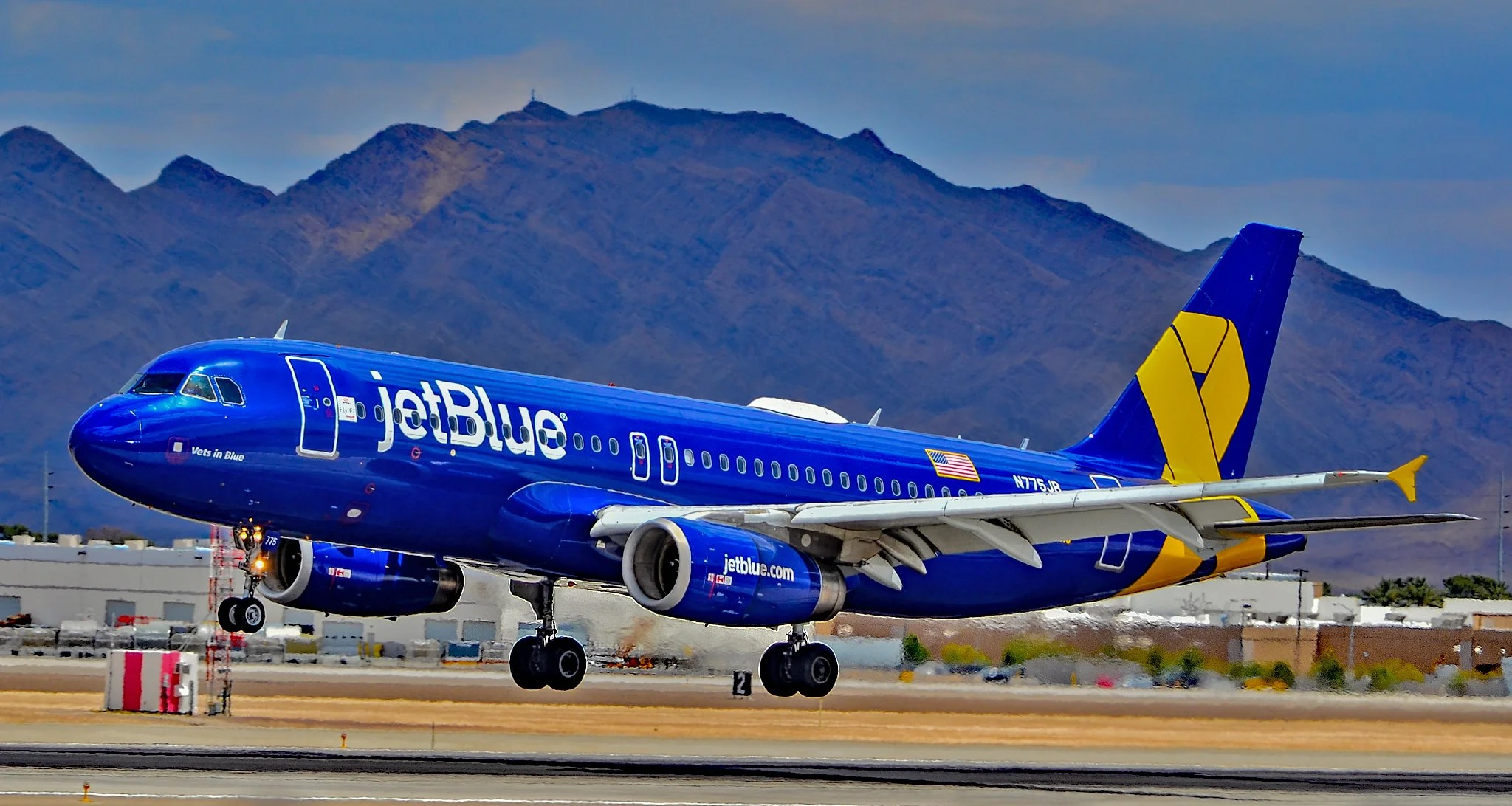 Jetblue Capping Florida Flights At 99 Ahead Of Hurricane
