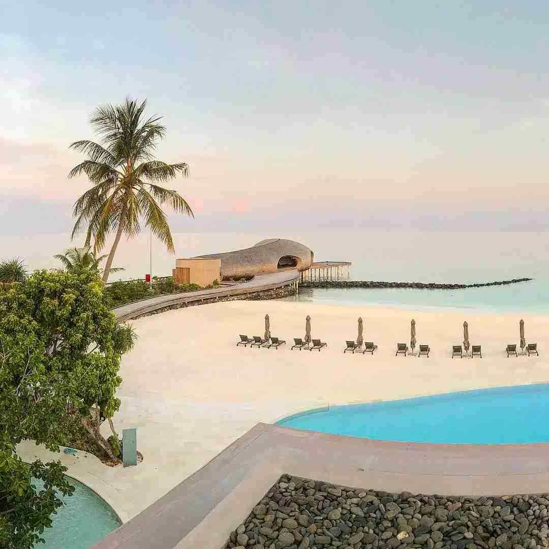 Gold elites get Marriott and SPG Gold status through RewardsPlus, earning you extra points and perks at hotels like the St. Regis Maldives.