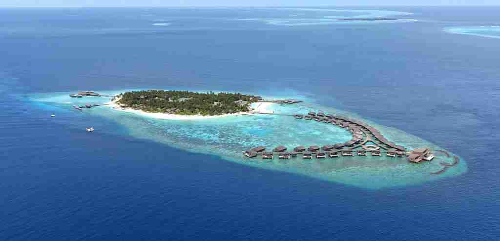 Consider using your points for a refundable stay at the St. Regis Maldives, rather than paying cash.