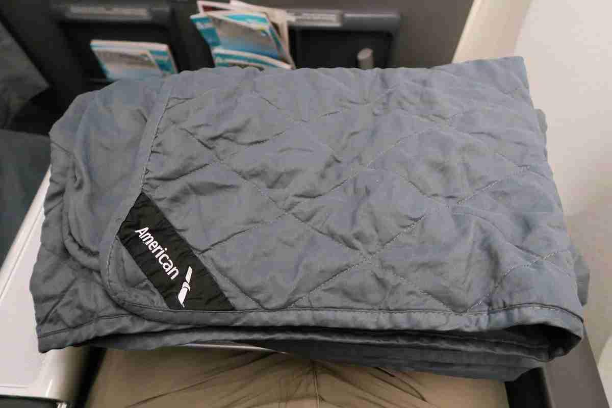 AA 772 premium economy comforter