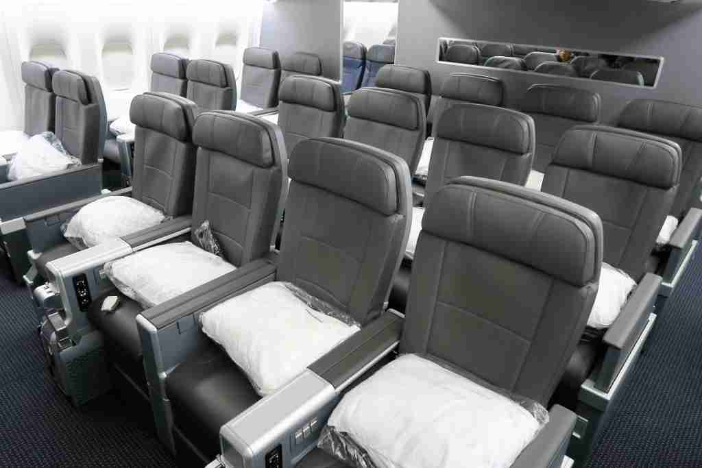 AA 772 premium economy section