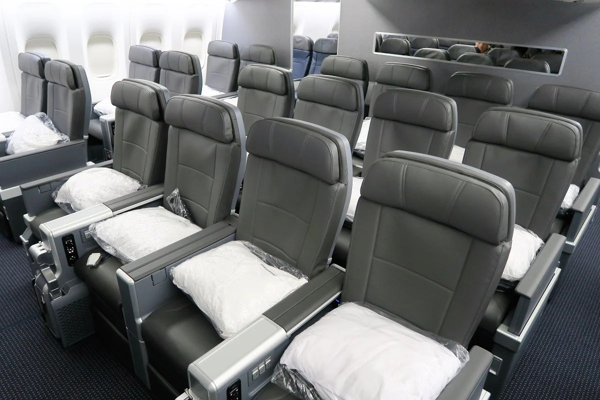 Flight Review American Airlines 777 200 Premium Economy