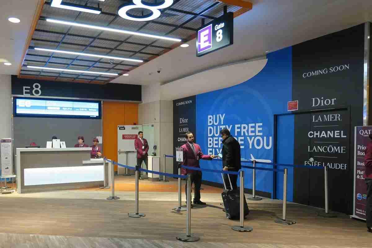 BOS Terminal E Qatar boarding gate