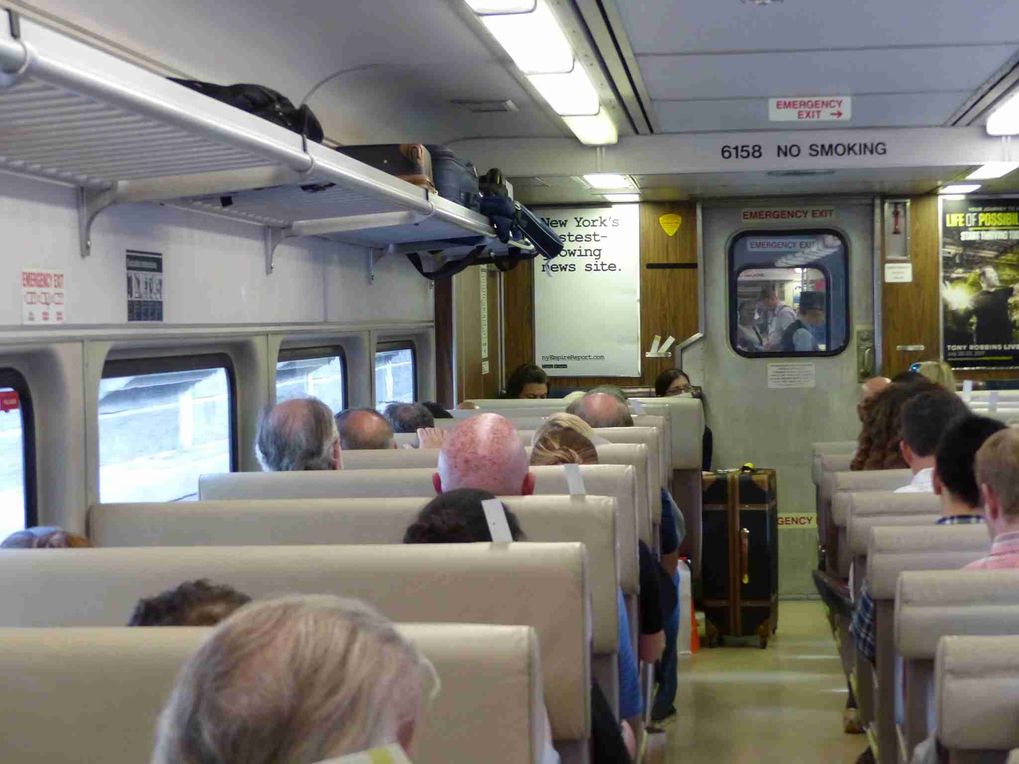 IMG-Norwegian-Edinburgh-train-luggage