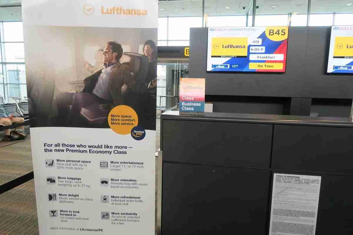 Lufthansa IAD boarding area