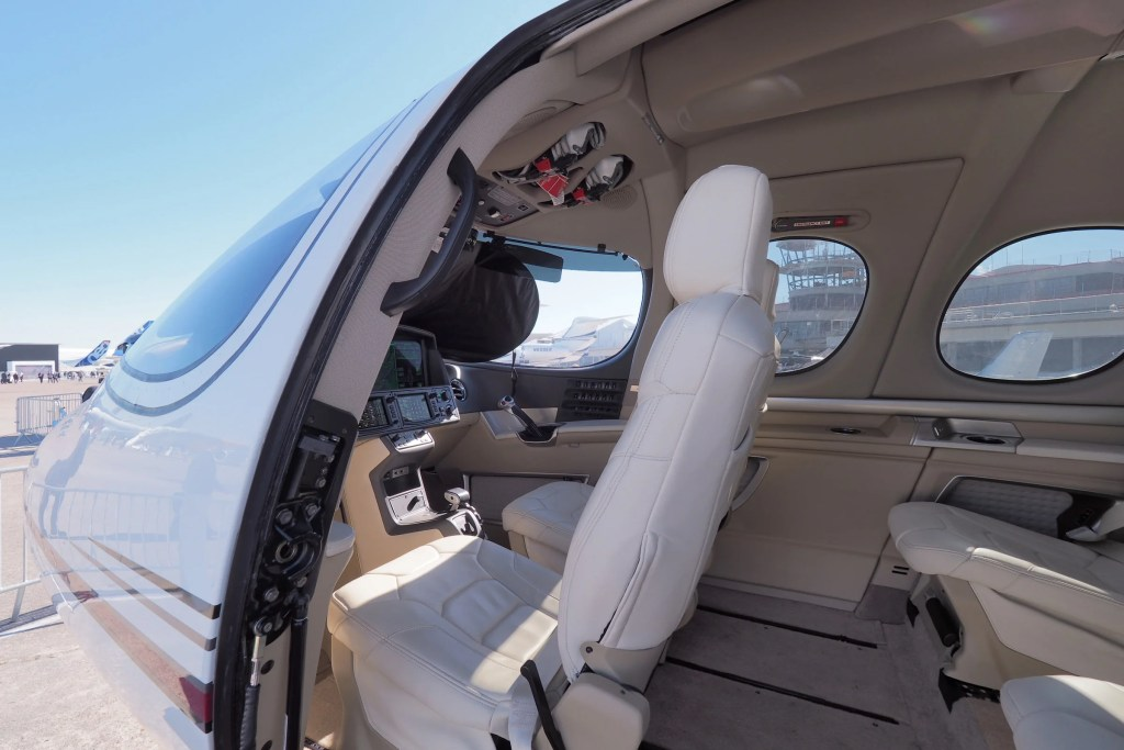 Cirrus Vision Sf50 >> See Inside Cirrus Vision, the $2 Million Private Jet