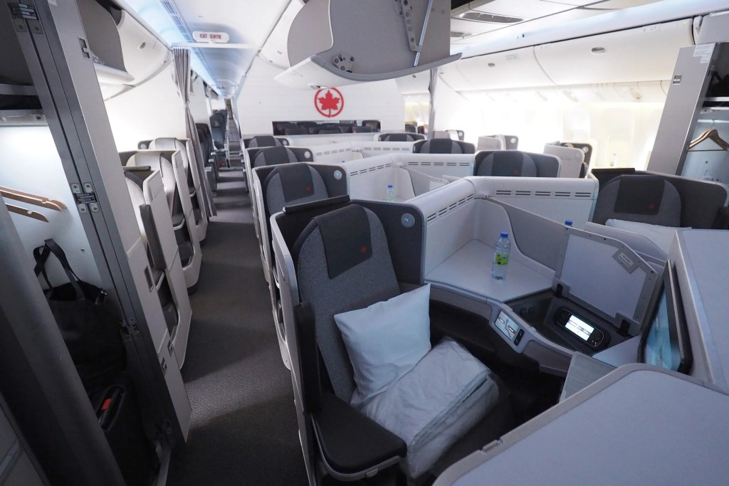 Review Air Canada 777 300er Business Class
