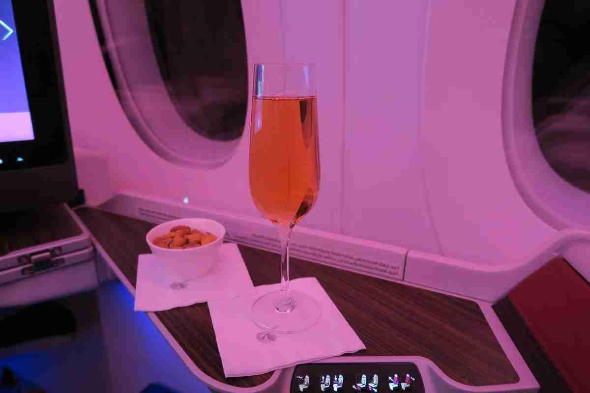 Qatar A350 non-alcoholic bubbly