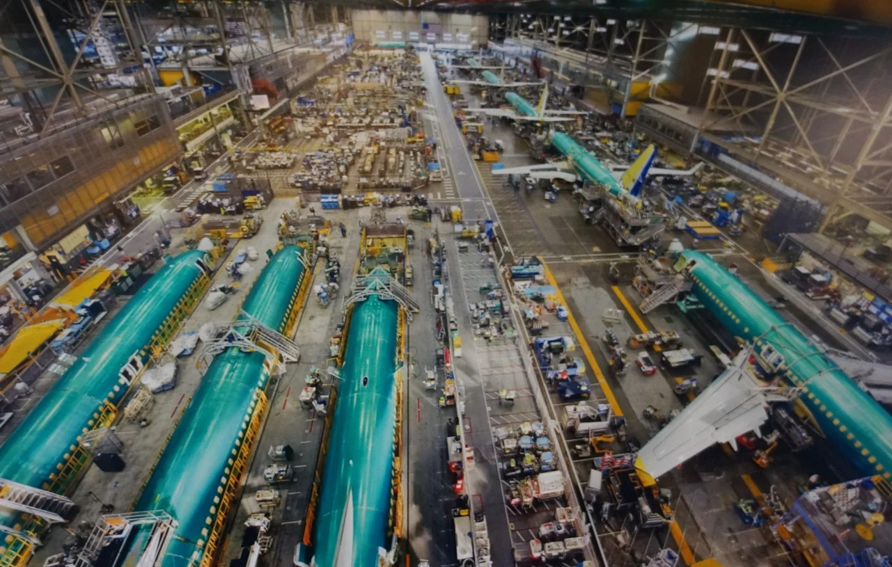 Take A 360-Degree VR Tour of Boeing's 737 Factory