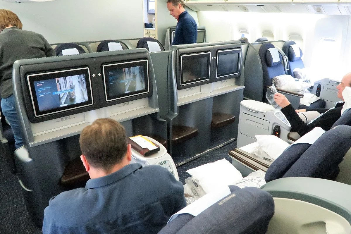 United Airlines First Class 777 200 Flight Review: United ...