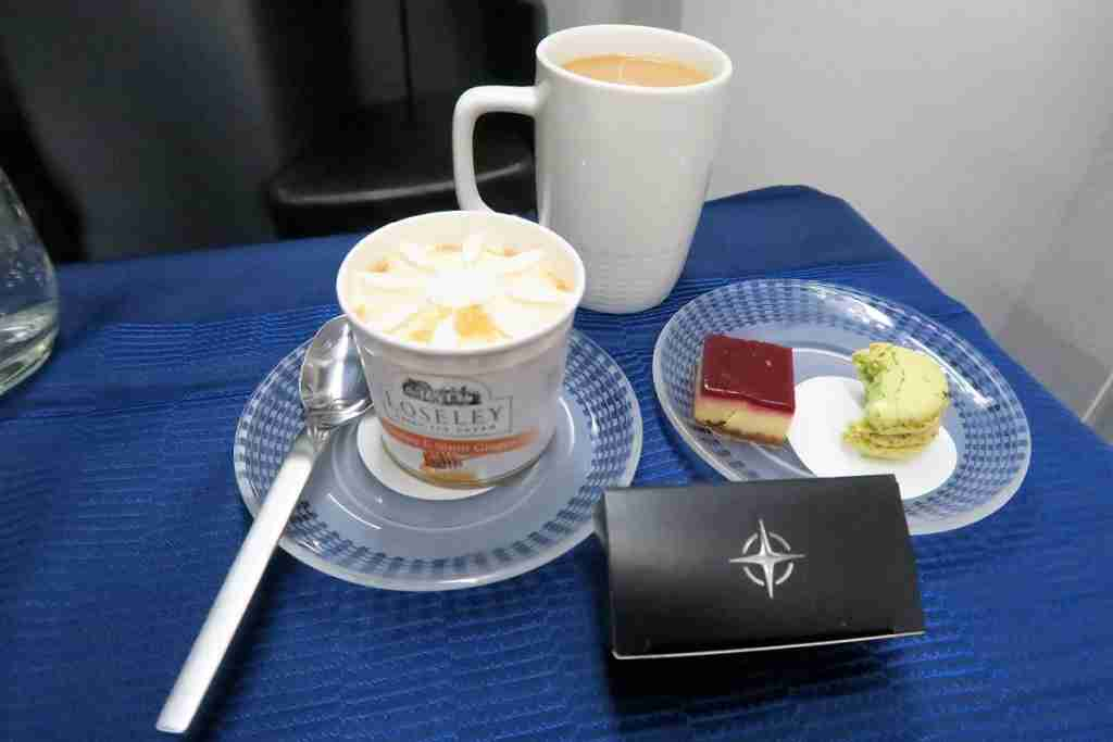 United 777 Polaris Business FRA-IAD dessert
