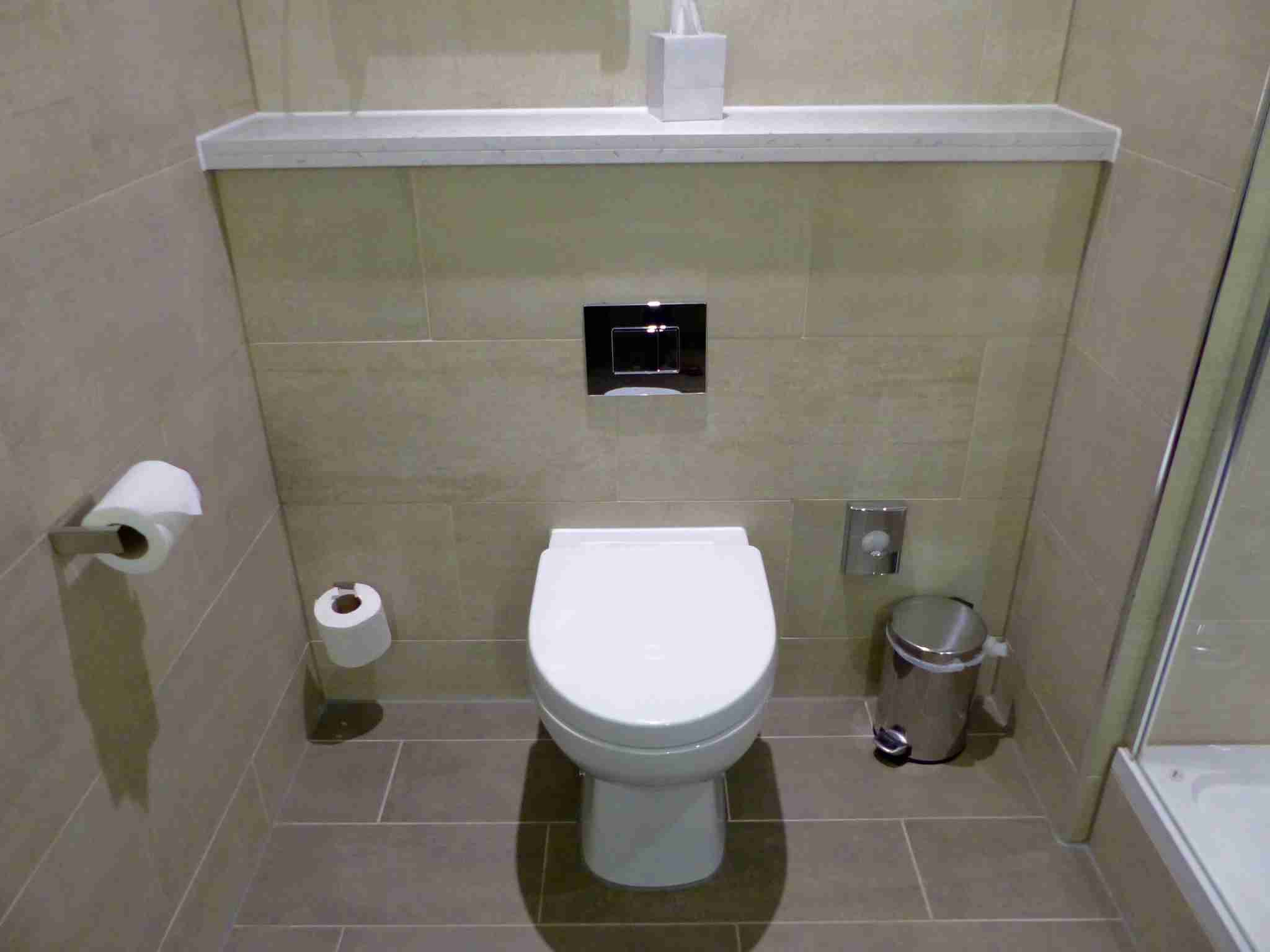 IMG-Edinburgh-Hilton-toilet