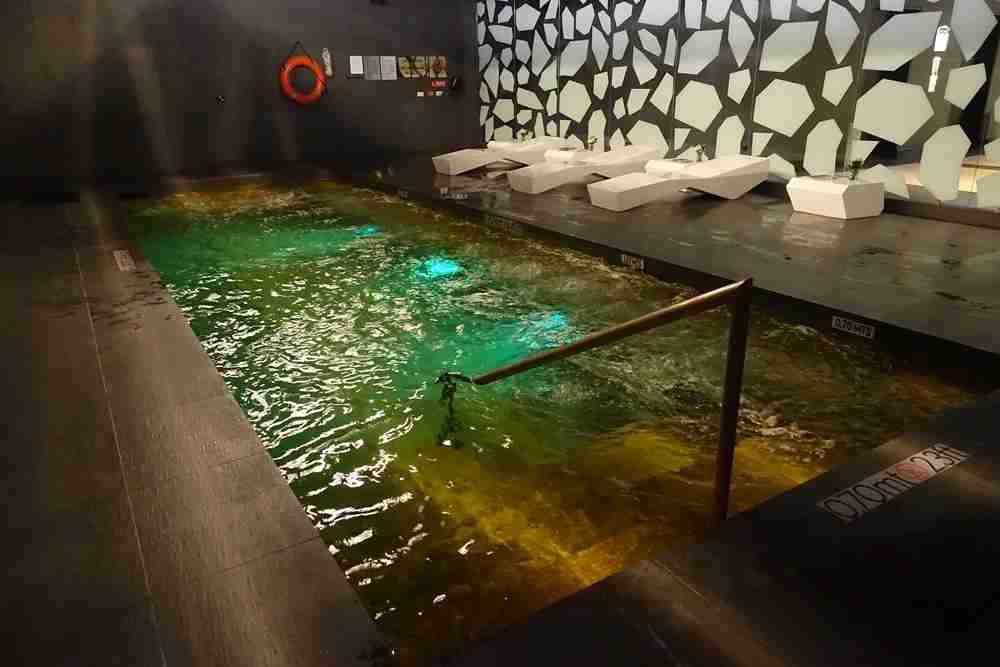 The pool/hot tub.