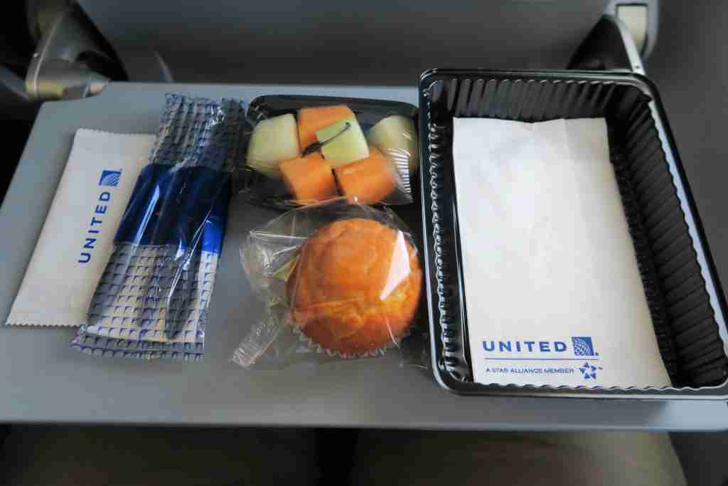 1. United Island Hopper breakfast from GUM-TKK
