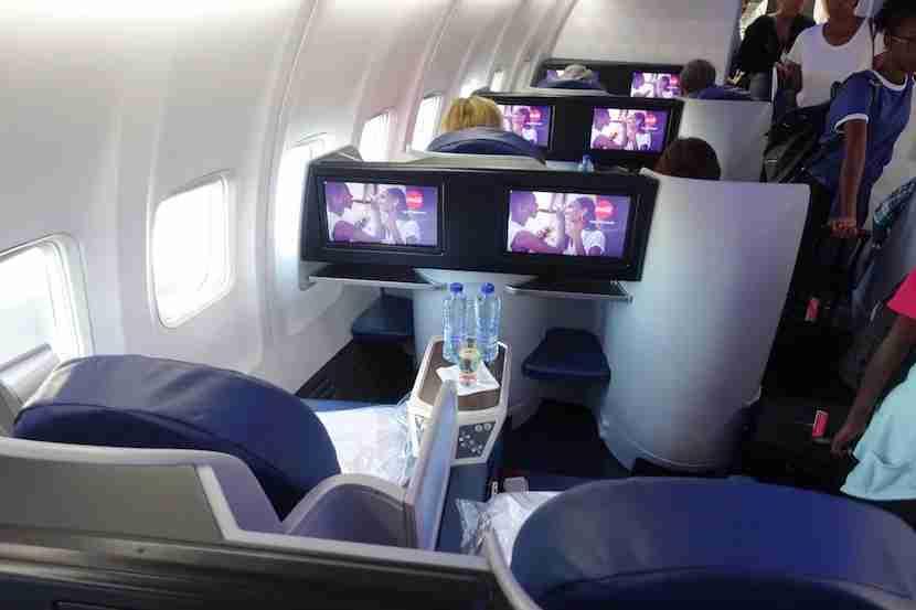Delta 757 overhead 1