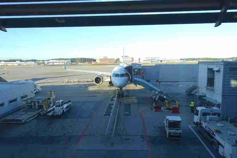Delta 757 plane