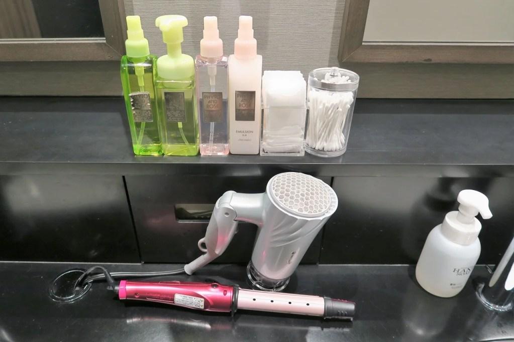 First Cabin female bathroom amenities