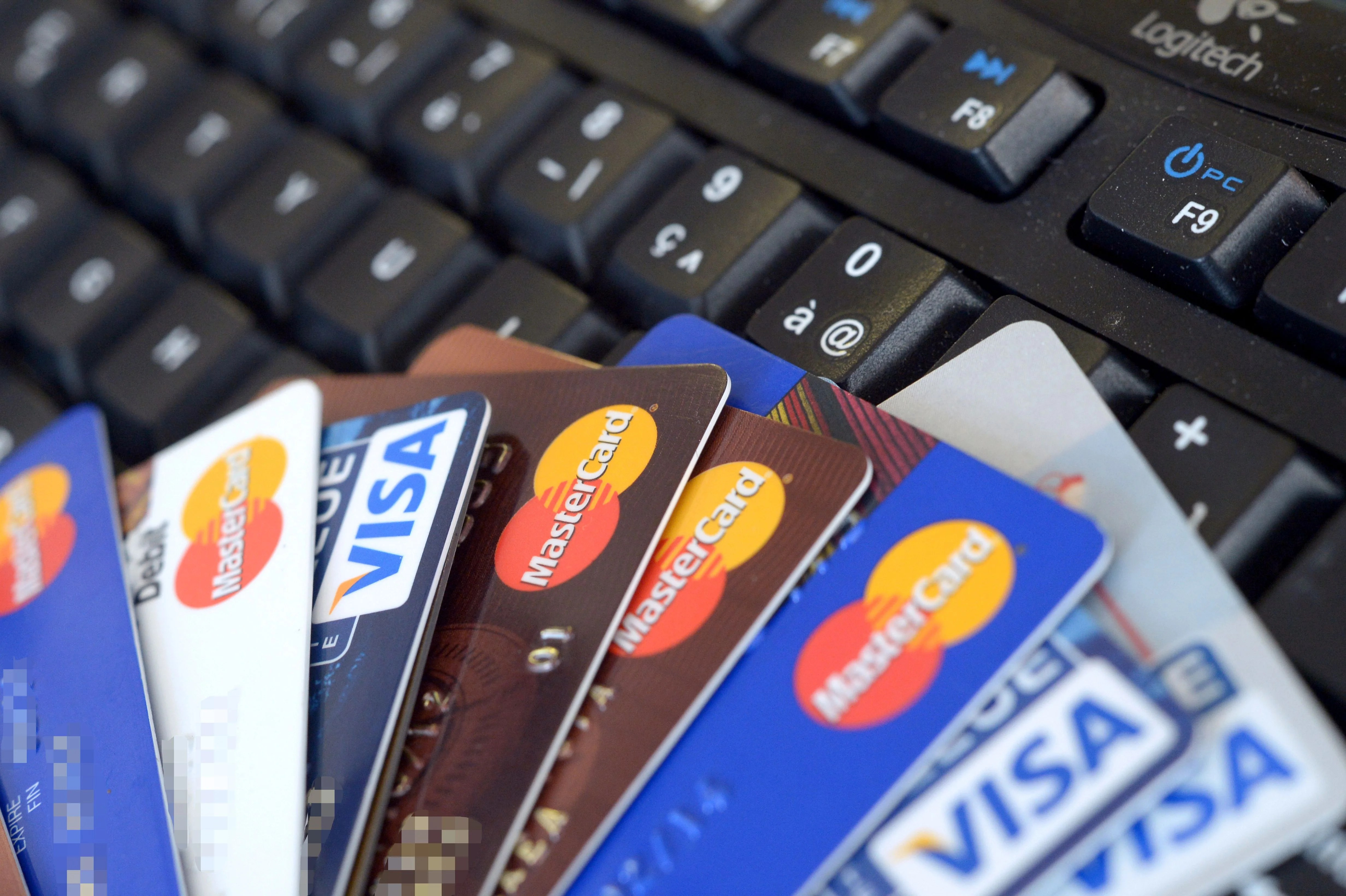 Discontinued Credit Cards Why or Why Not Stick With Them