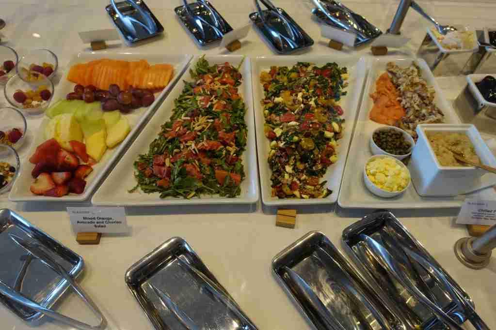 IMG-aa-biz-flagship-lounge-food-1