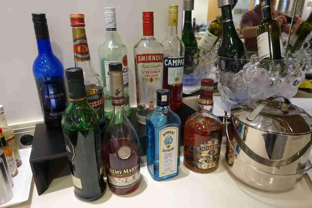 IMG-jal-sakura-lounge-liquors-lr