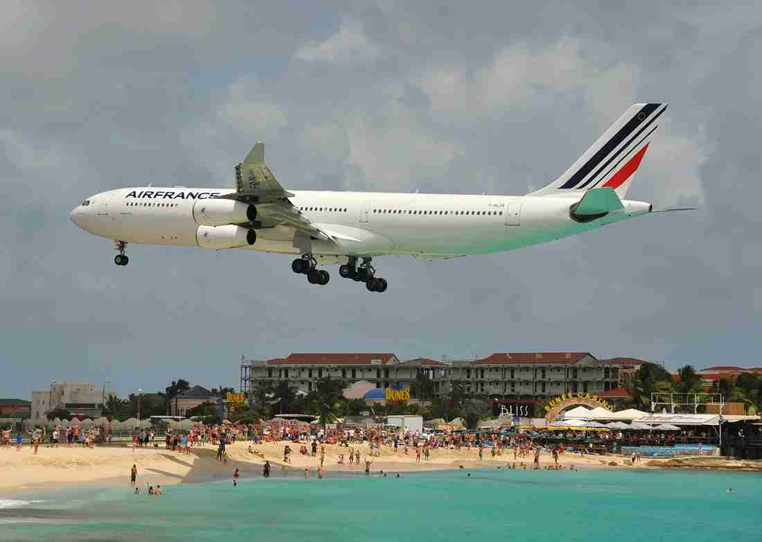 An Air France Airbus A340-300 landing at SXM from Paris (Image by Alberto Riva / The Points Guy)