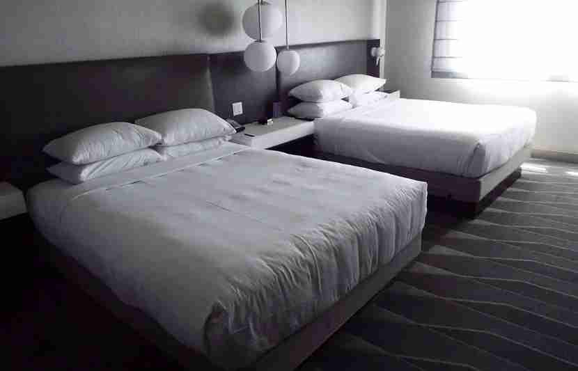 Hyatt-queen-beds-LAX