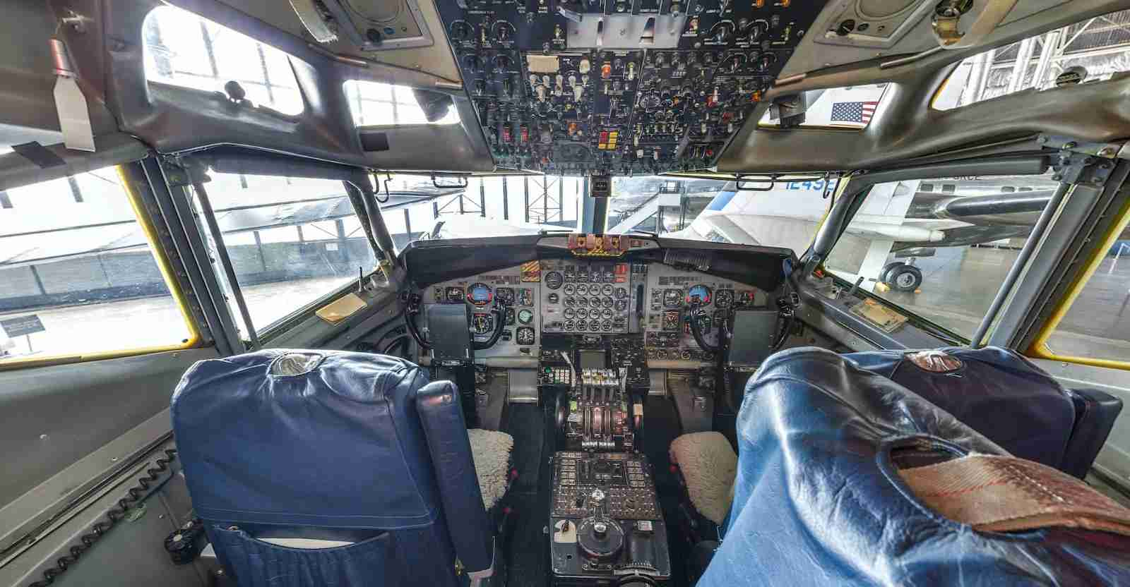 The flight deck of SAM 26000 (Photo courtesy of Lyle Jansma, Aerocapture Images, via US Air Force)