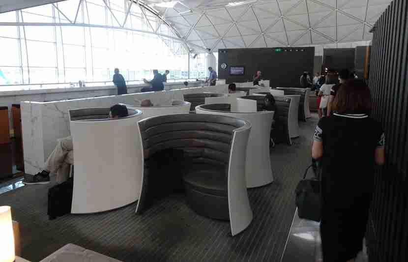 CX-A330-Bus-Review-Lounge7