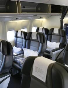 Icelandair business class cabin also review er economy reykjavik to jfk rh thepointsguy