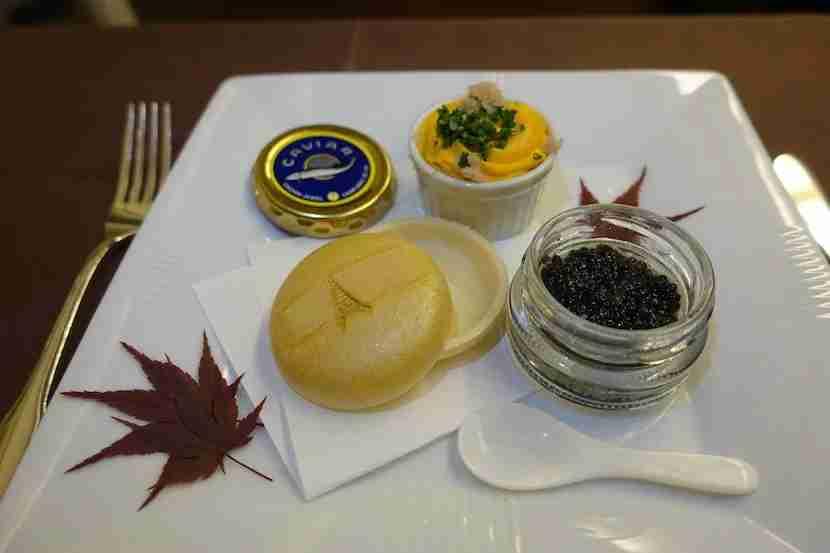 JAL first class caviar good