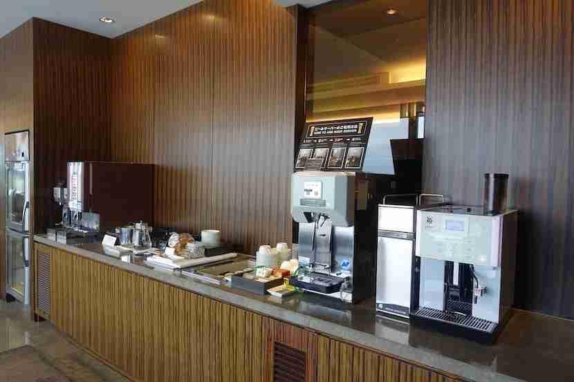 JAL lounge coffee 1